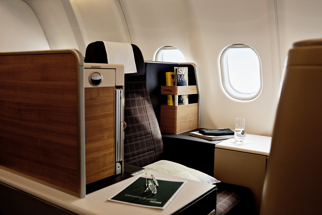 The new SWISS A340 business class seat, a highly distinctive version of the Thompson Vantage model