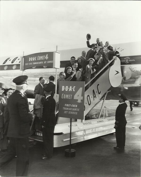 BOAC passengers boarding the first transatlantic jet engine flight on 4 October, 1958